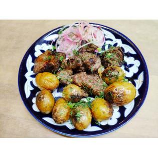 Шашлык из телятины с картофелем бэби
