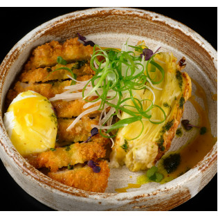 Хрустящая курица с горчичным соусом.