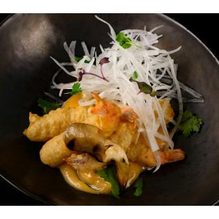 Креветки темпура с пряным соусом